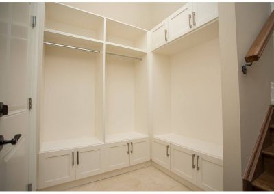 Custom Closets And Wall Units