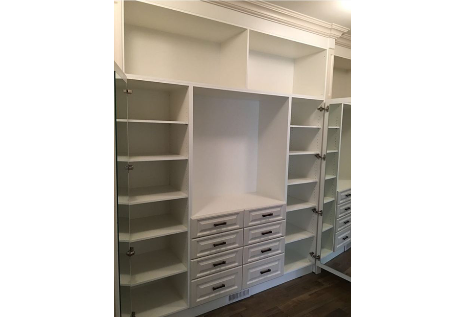 Custom-Closets-And-Wall-Units-100-0