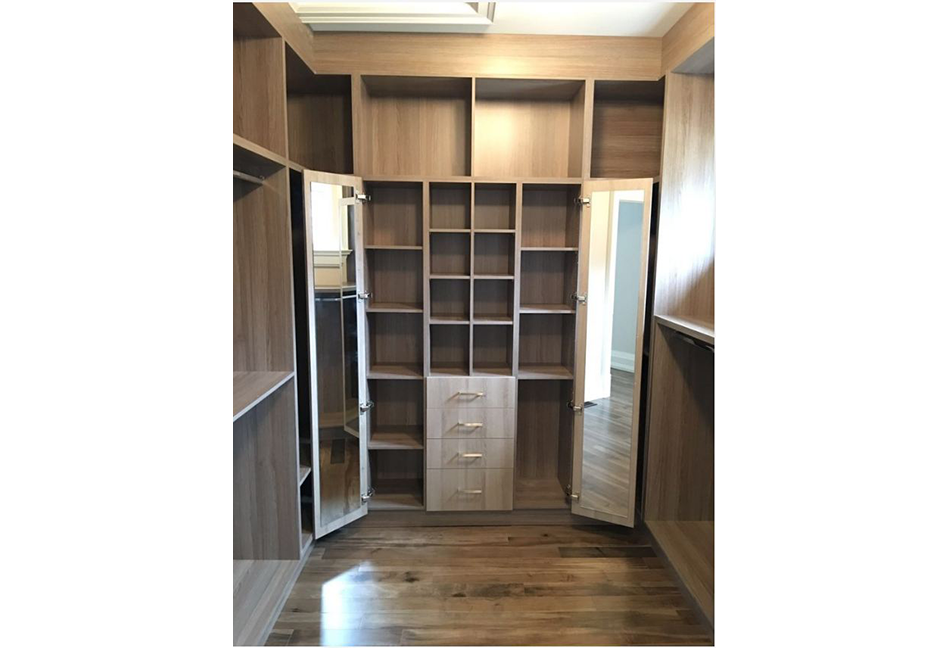 Custom-Closets-And-Wall-Units-101-1