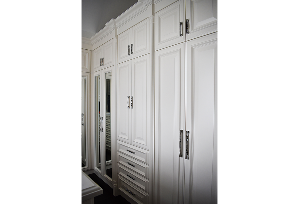 Custom-Closets-And-Wall-Units-110-10