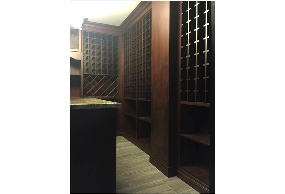Custom-Closets-And-Wall-Units-124-24