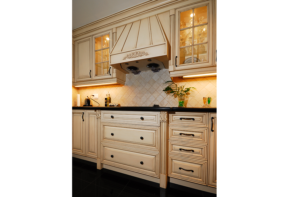 Custom-Kitchen-Cabinets-107-7